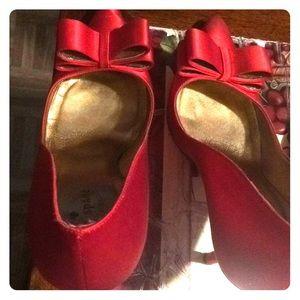 Kate spade satin red shoe